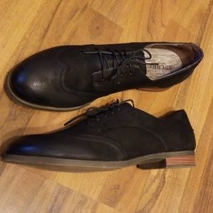 {Sperry} Woman's Black Leather Oxford